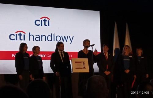Szabó László, az MPB elnöke díjat adott át a lengyel Év Parasportolója Gálán