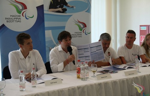Több, mint egy csapat. A Magyar Paralimpiai Bizottság elkészítette a 2015-2018 éveket átfogó, a Bizottság tevékenységét összegző kommunikációs kiadványát.