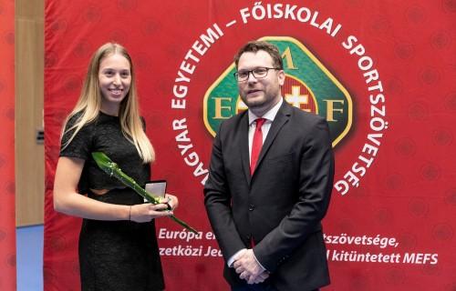 """Ekler Luca, Illés Fanni és Busa Andrea, az MPB munkatársa is díjat kapott a Magyar Egyetemi - Főiskolai Sportszövetség (MEFS) az """"Év Egyetemi Sportolója"""" Díjátadó Gáláján"""
