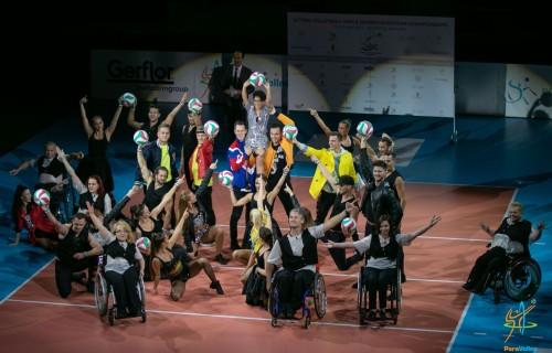 Látványos megnyitó ünnepséggel rajtolt az Ülőröplabda Európa-bajnokság a Ludovika Arénában